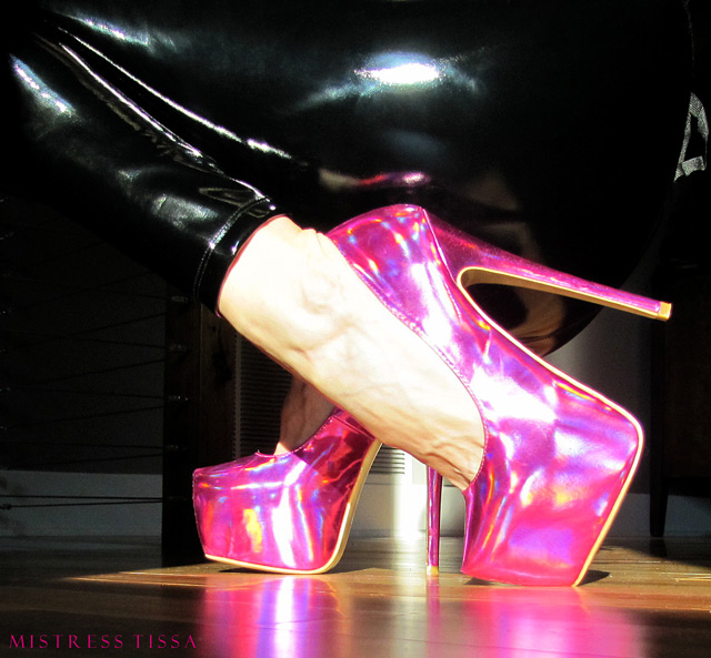 Gift from slave m: Holographic heels